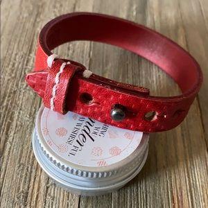 🔸Plunder Crimson Red Leather Adjustable Bracelet
